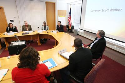 Scott Walker proposes increasing tax credit for working poor