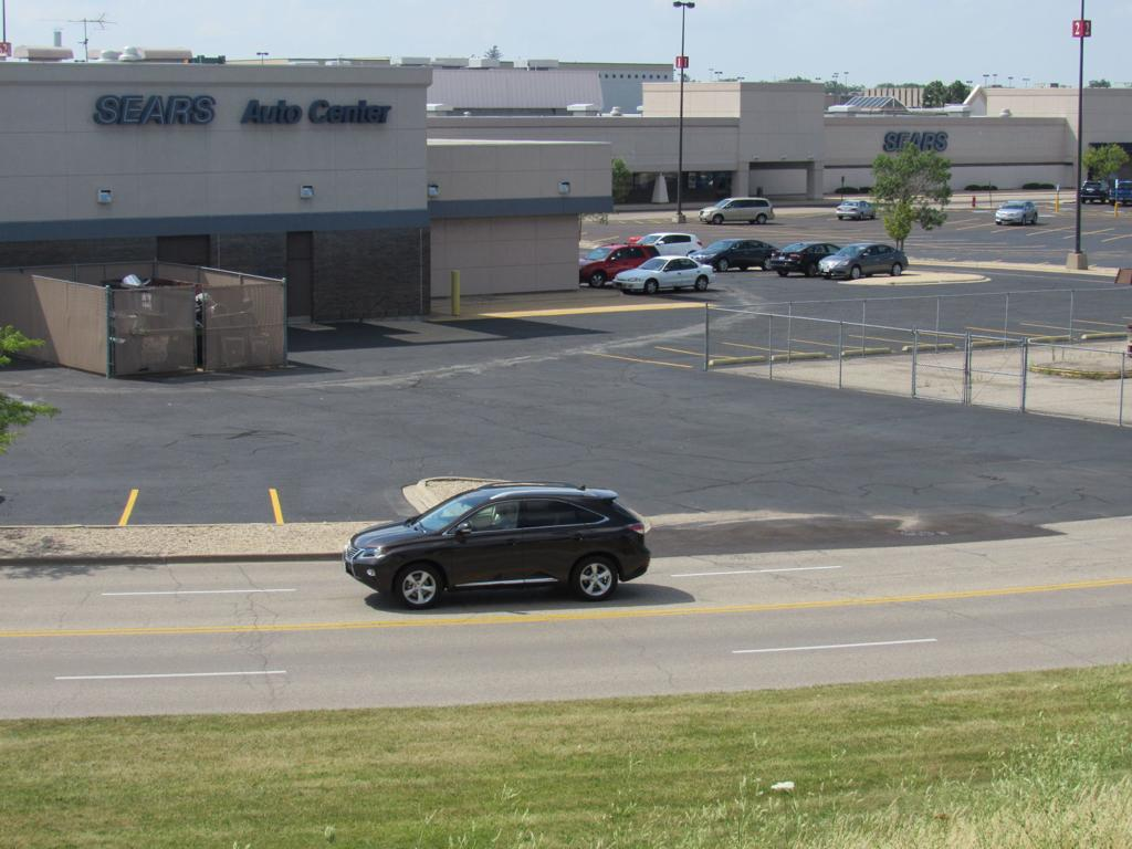 Sears to close West Towne Mall store and automotive center