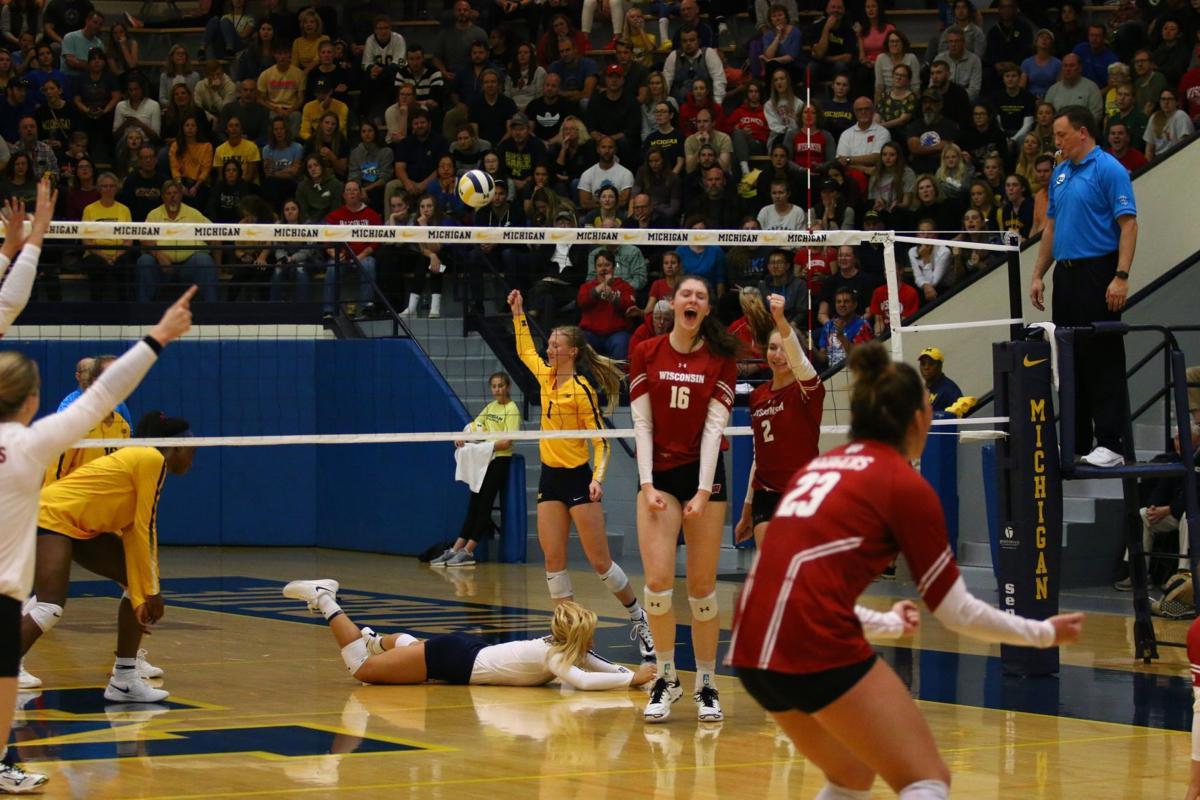 UW volleyball photo