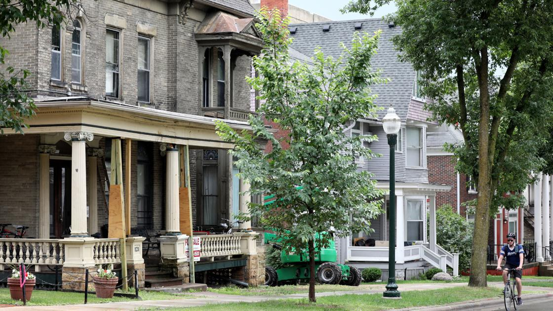 City panel finds demolition by neglect of landmark property