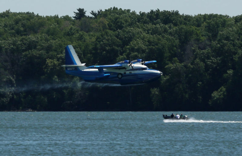 Luxury seaplane turns heads with pit stops on lakes Mendota