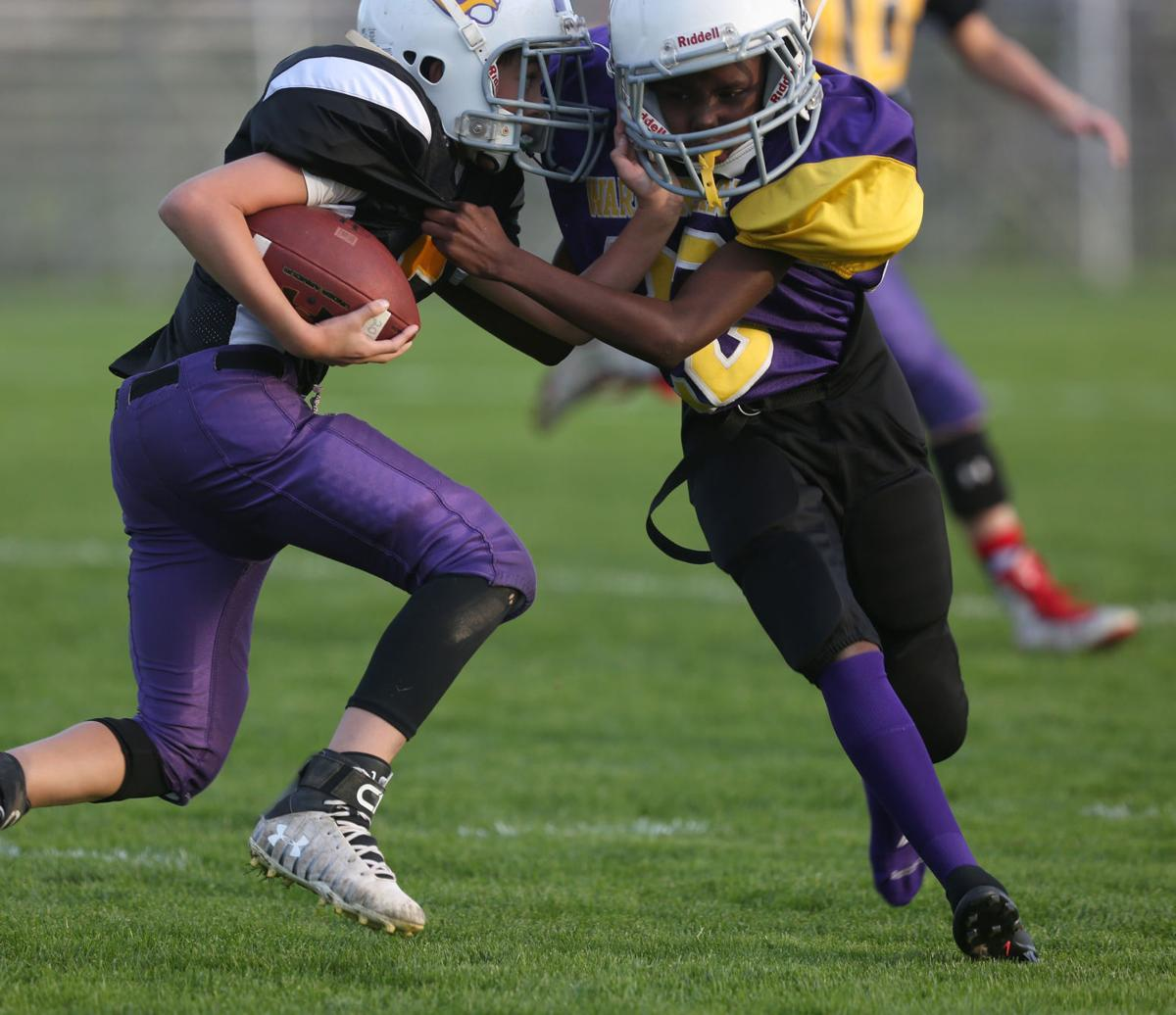 YOUTH FOOTBALL Hit