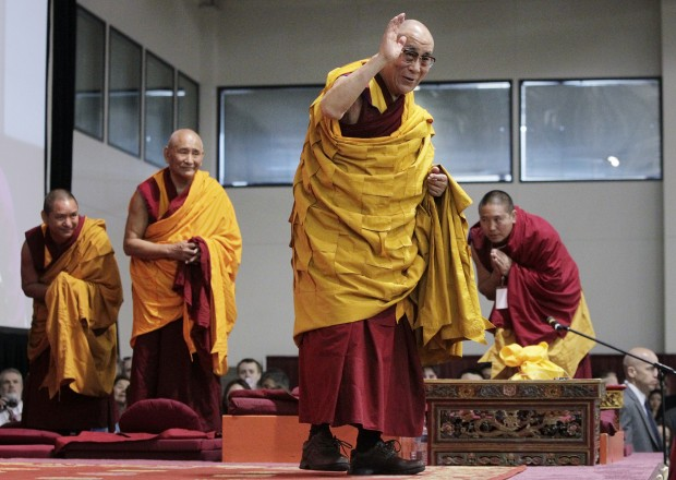 A tireless Dalai Lama schools Madison audience on suffering