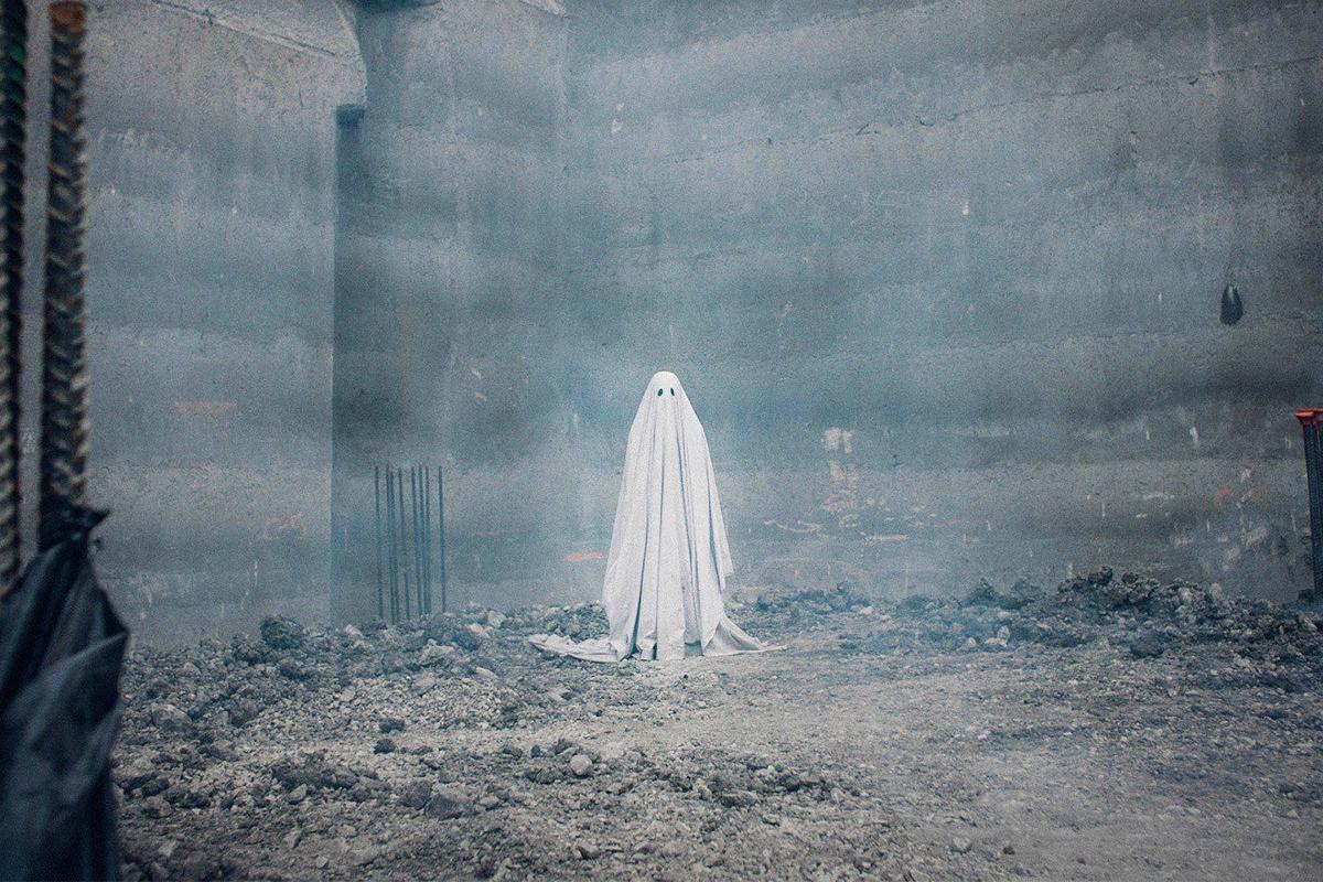 Movie review: \'A Ghost Story\' is a haunting look at love and loss ...