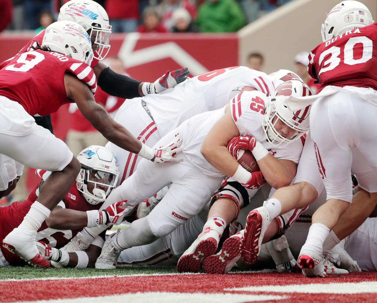 Alec Ingold touchdown - Wisconsin vs. Indiana