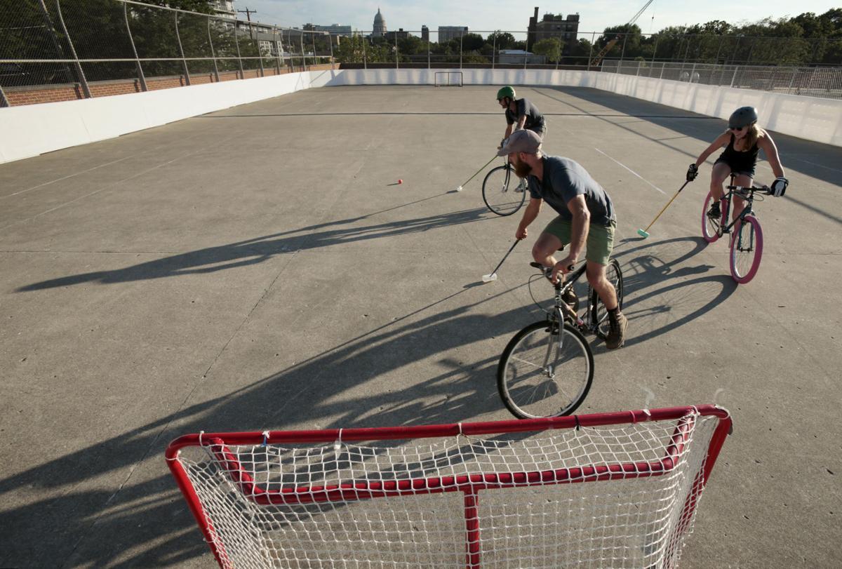 Bike polo court
