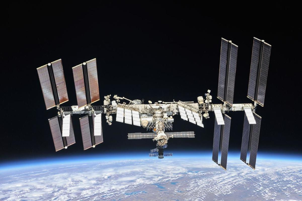 International Space Station  - 60b7e387c7799 - SpaceX rocket to fly UW-Madison cotton seeds to Space Station   Science & Environment