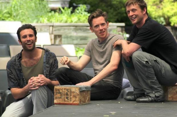 APT Rosencrantz, Guildenstern and Hamlet