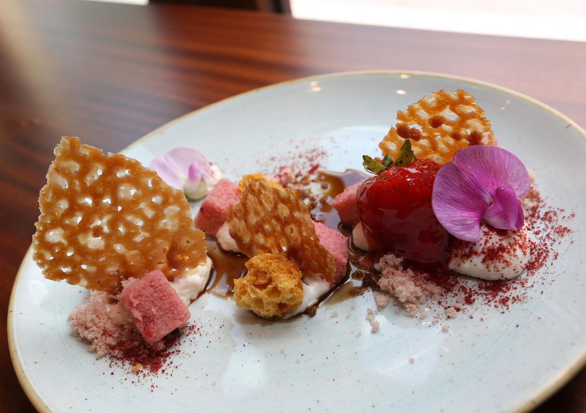 FIELD TABLE strawberry chiffon