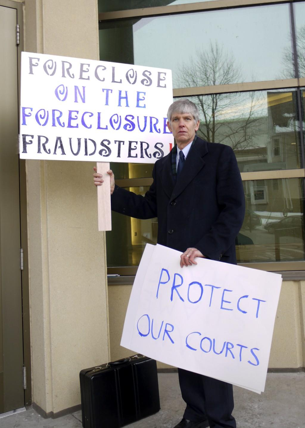 Foreclosed homeowners challenge banks to prove they still