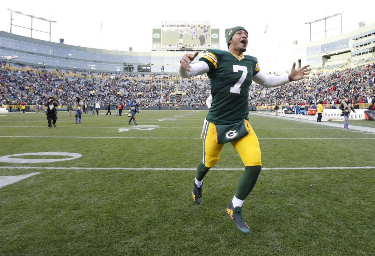 Brett Hundley celebrates Tampa Bay win, AP photo