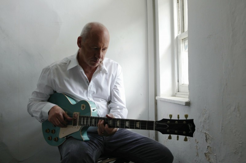 Concert review: Mark Knopfler enchants Dylan crowd with super-sized ...