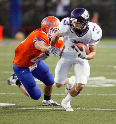 Wiac Football Warhawks Beat Pioneers For 19th Win In A Row State