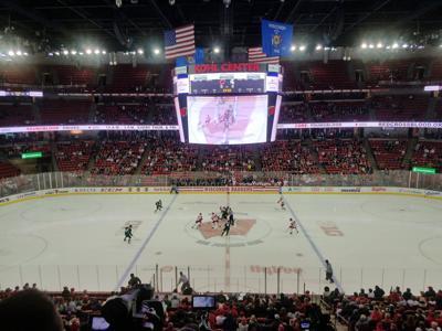 Badgers men's hockey crowd