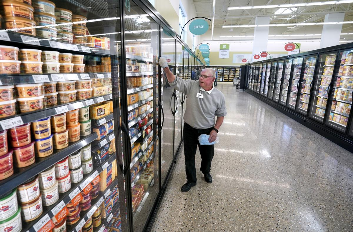 Grocery expansion comes to the burbs
