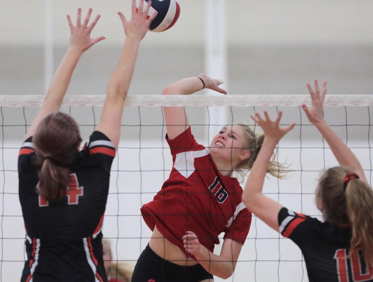 Prep girls volleyball photo: Sun Prairie vs Verona sectional semifinal