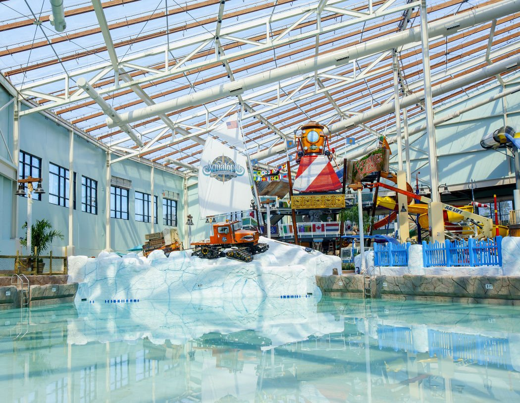 dells company opens indoor waterpark at poconos ski resort; vermont