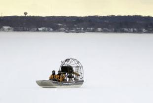 Encounter On Lake Mendota >> Man Rescued From Lake Monona Went Off Thin Ice Into Open Water
