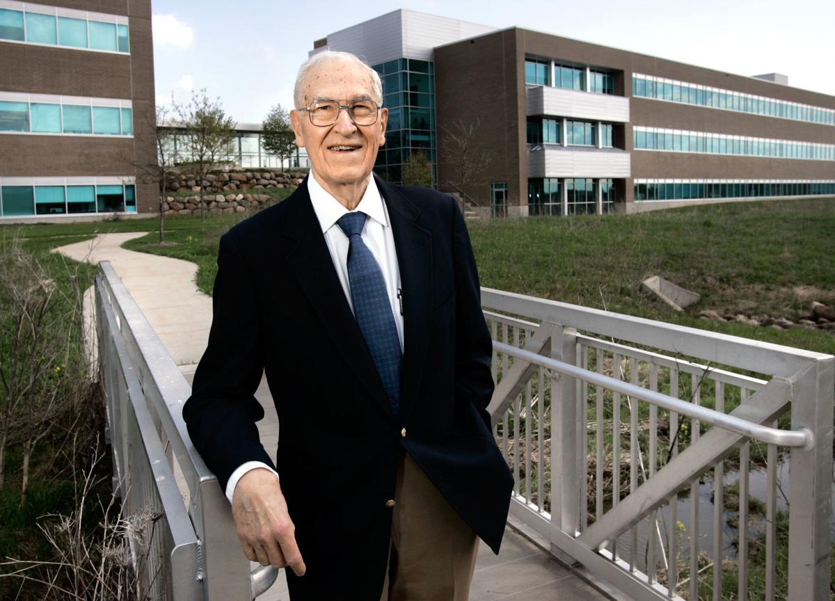 Former UW-Madison chancellor Irving Shain