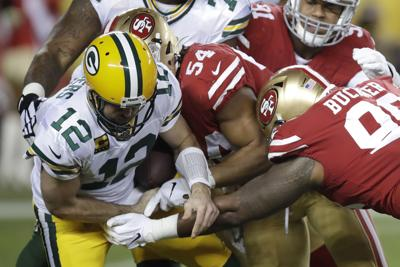 Aaron Rodgers fumble - Packers 49ers