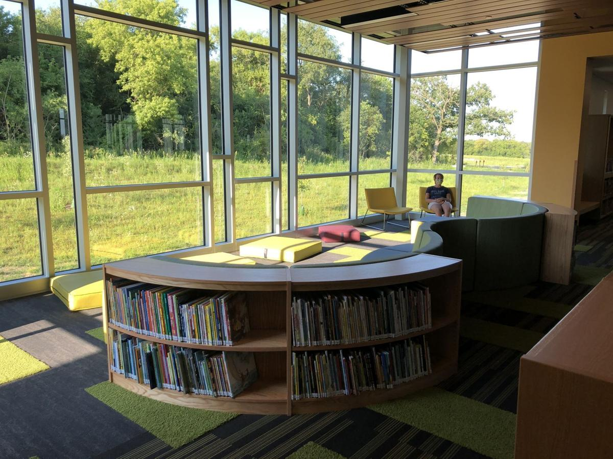 Forest Edge Elementary School library