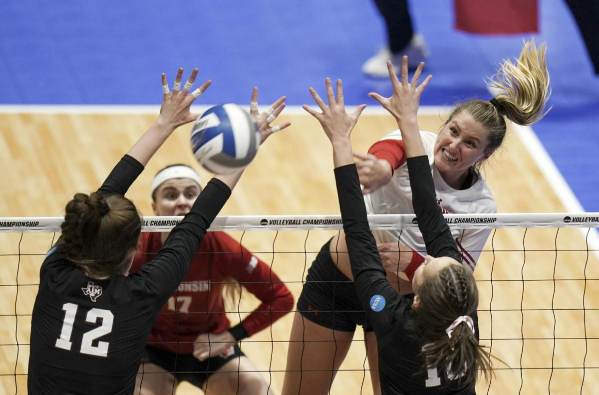 Badgers volleyball team sweeps Texas A&M to advance to Elite Eight