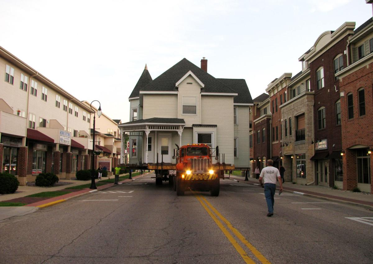 Prairie du Sac home moves again