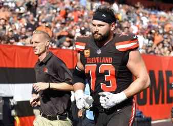 Joe Thomas torn triceps, AP photo