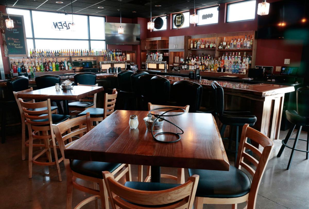 Sugar River Pizza bar area