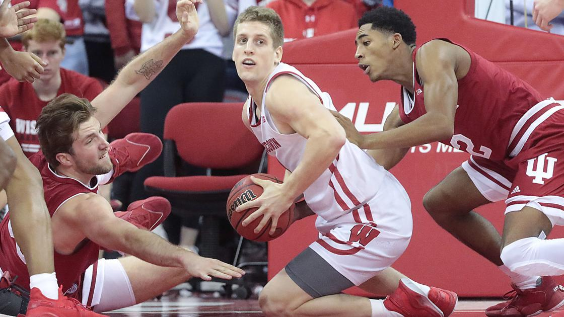 Fans take to Twitter to weigh in on Badgers' blowout of Hoosiers in Big Ten opener