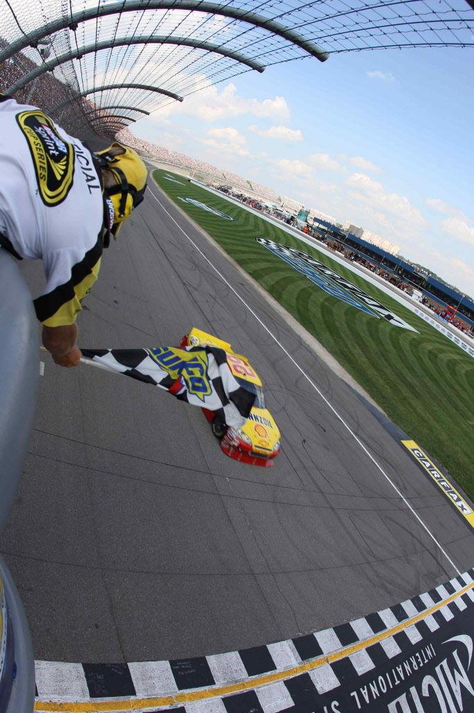 Auto racing contest