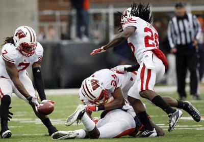79831a768 UW football  Defense produces four takeaways to pitch second-half ...