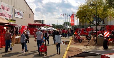 Foot traffic brisk at Dairy Expo (copy) (copy)