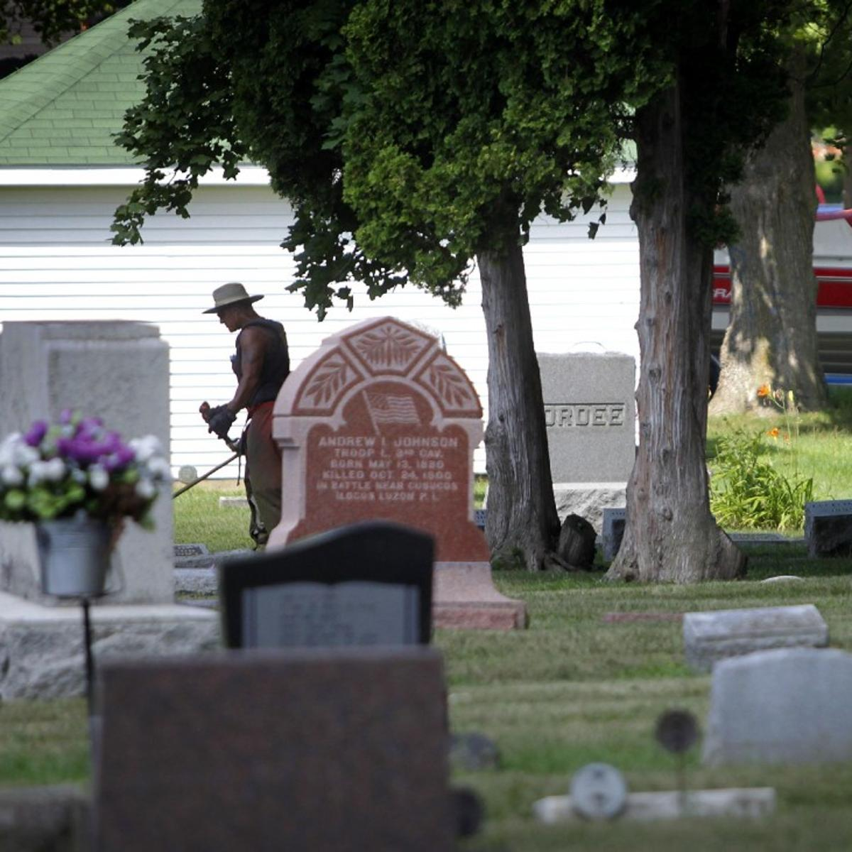 McFarland cemetery running out of room | Local News