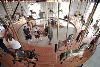 Waterloo Carousel 01.jpg
