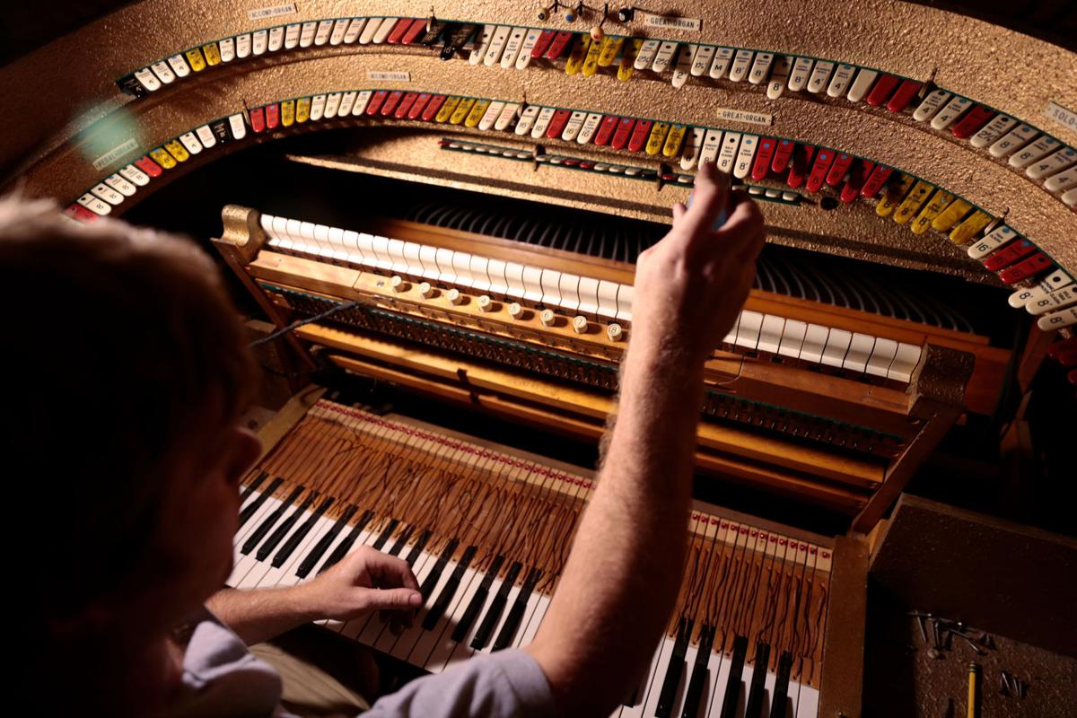 Keyboard of Grand Barton organ