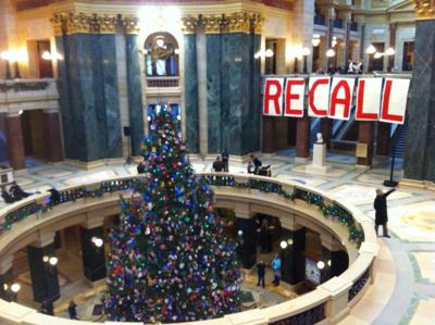 State Capitol Christmas tree & recall sign