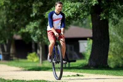 UNICYCLE 15-09182014130140.jpg
