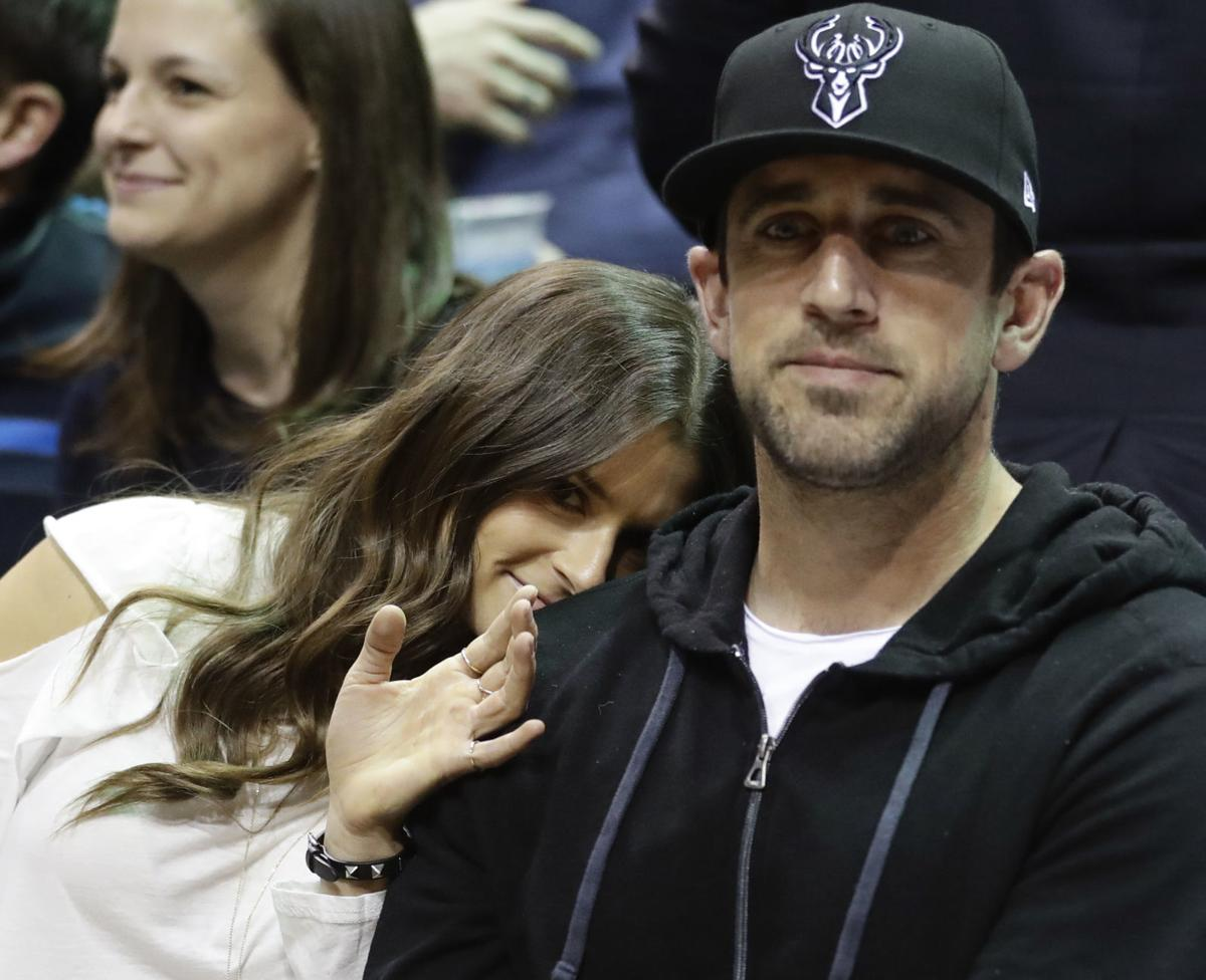 As A Fan Aaron Rodgers Excited For Girlfriend Danica Patrick S Final Race Pro Football Madison Com