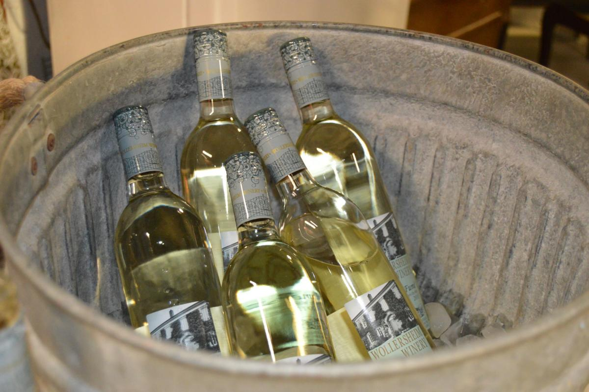 PAINTED CRATE   WINE TUB (copy)