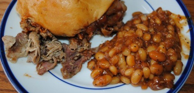 Blowin' Smoke, pork sandwich and baked beans