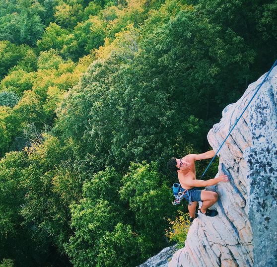 Dees climbing