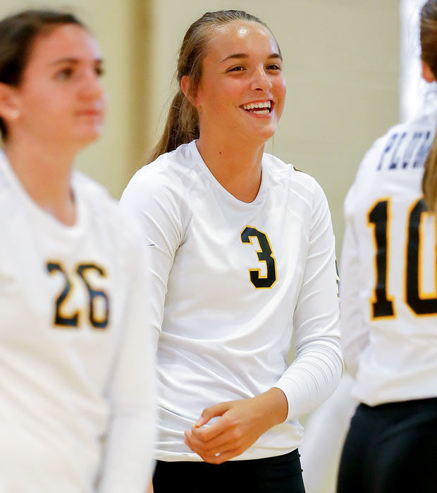 competitive price 2fc7a 4f1a9 Badgers volleyball: Brett Favre in Madison to watch daughter ...