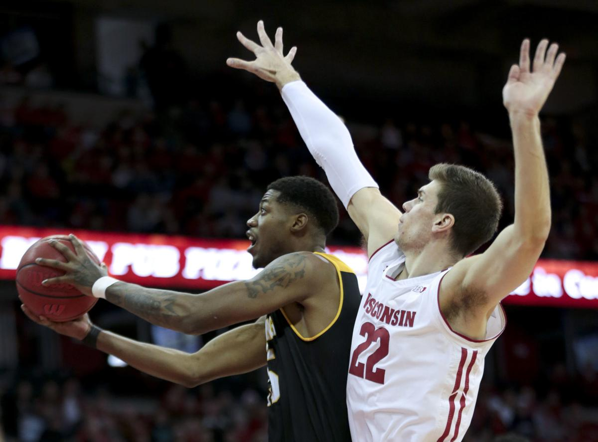 brand new be15d b7366 Photos: No. 16 Wisconsin Badgers 84, Grambling State Tigers ...