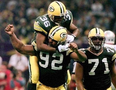 LeRoy Butler, Reggie White celebrate in Super Bowl, AP photo