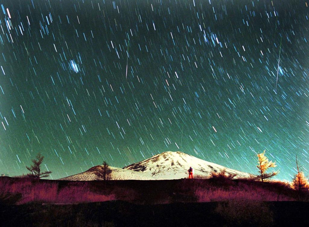 Three Bright Planets Over Wingra Park >> 17 Stunning Photos Of Meteors To Celebrate National Meteor