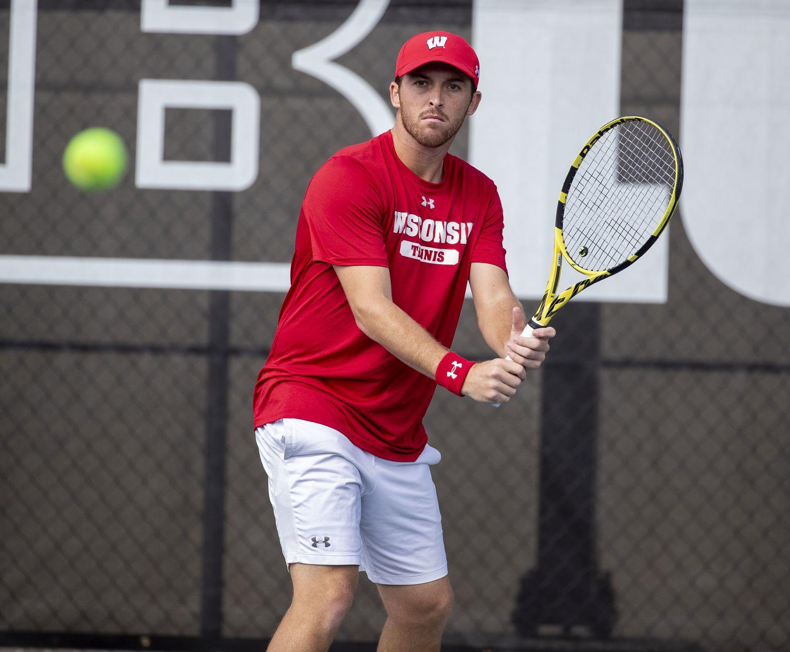 Men's Tennis   Pieds