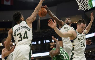 Bucks lose Eric Bledsoe to oblique injury in preseason victory