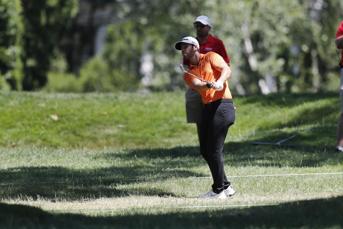 golf jump photo