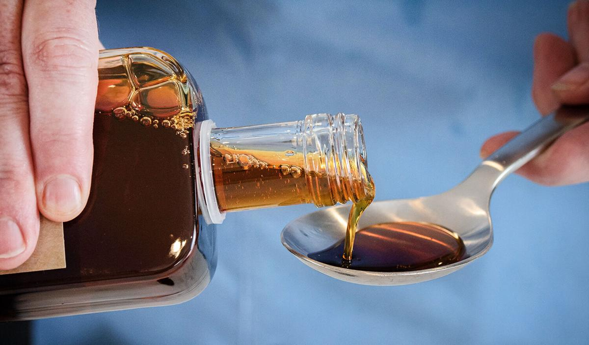 Maple syrup pour